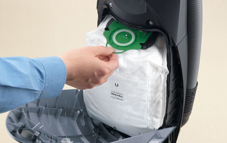 Bagged Vs Bagless Vacuum